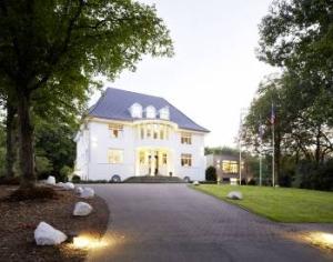 Hotel Villa Rissen-Auffahrt